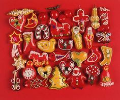 The tradition of gingerbread making appeared in certain European monasteries during the Middle Ages and came to Croatia where it became a craft. Gingerbread craftspeople, who also made honey and candles, worked in the area of Northern Croatia. Gingerbread Crafts, Winter Food, Yule, Middle Ages, Veritas Press, Bar Recipes, Culture, Bosnia, Montenegro