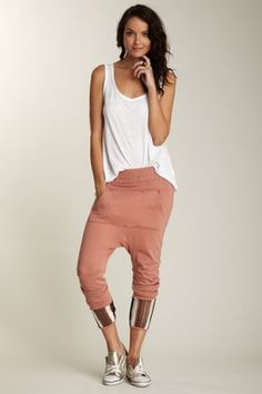 Pouch Pocket Pant ... looks like the same pants JLo wore to the American Idol finale.
