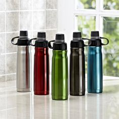 Great for for staying hydrated throughout the day, the durable stainless steel Quench Bottle can go anywhere with your kids.