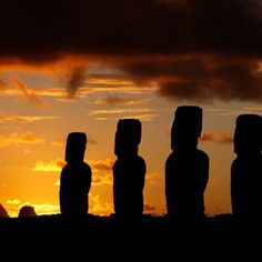Easter Island Places To Travel, Places To See, Easter Island, Galapagos Islands, Sunset Pictures, South America Travel, Stonehenge, Puerto Vallarta, Just Go