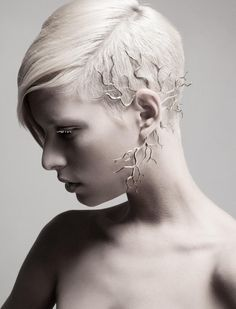 ..new take on ear cuffs..Kaminer Design, קמינר תכשיטים | Cranium, brass