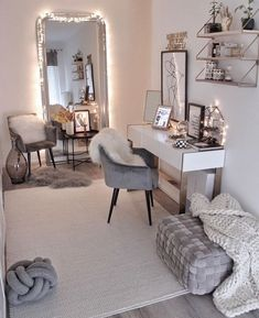 French Home Decor .French Home Decor Bedroom Decor For Teen Girls, Room Ideas Bedroom, Stylish Bedroom, Aesthetic Room Decor, Dream Rooms, My New Room, Room Inspiration, Christmas Inspiration, Interior Design