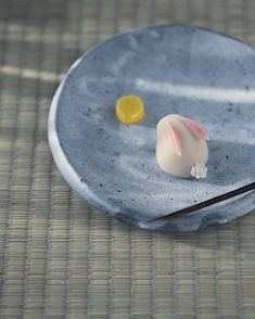 today, I made japanese confectionery nerikiri which express - Food Japanese Wagashi, Japanese Sweets, Japanese Food, Fancy Cakes, Cute Cakes, Gourmet Desserts, Dessert Recipes, Sushi Recipes, Plated Desserts