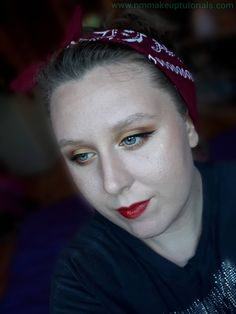This is a simple but fun summer eyeshadow look. Yellow is always a go-to colour for the summertime and looks great on blue eyes. I also t... Summer Eyeshadow, Yellow Eyeshadow, Eyeshadow Looks, Eyeshadow Makeup, Eyeshadow Palette, Makeup Blog, Makeup Ideas, Mattifying Primer, Face Primer