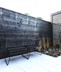 Een zwart-witte tuin is super stijlvol Outdoor Seating, Outdoor Rooms, Outdoor Gardens, Outdoor Living, Outdoor Decor, Pergola Designs, Pergola Kits, Pergola Ideas, Black Garden