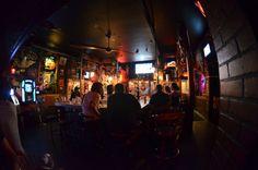 Un bar alternatif qui est devenue la salle de concert alternative par excellence.