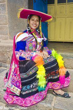 TRAJES TIPICOS DEL PERU Traditional Peruvian Dresses: Huayno del Cuzco (Valicha)