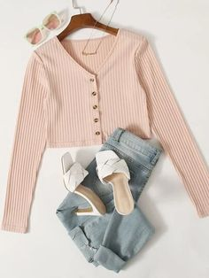 Really Cute Outfits, Cute Girl Outfits, Cute Casual Outfits, Pretty Outfits, Stylish Outfits, Stylish Clothes For Women, Girls Fashion Clothes, Teen Fashion Outfits, Moda Disney