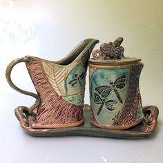 Ceramic Pots, Ceramic Pottery, Ceramics Projects, Ceramics Ideas, Sugar Container, Hand Built Pottery, Sun Designs, Pinch Pots, Pottery Making