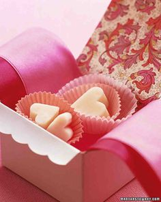 Wrapped in pretty paper, these milky fudge hearts are sure to send a romantic message to your valentine. Make the Creamy Fudge . Valentines Day Desserts, Valentine Treats, Happy Valentines Day, Funny Valentine, Valentine Cupcakes, Valentine Recipes, Heart Cupcakes, Pink Cupcakes, Valentine Heart