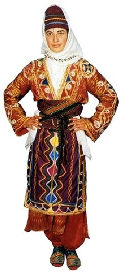 Traditional festive costume from the Yozgat province. Clothing style: mid 20th century. This is a recent workshop-made copy, as worn by folk dance groups.
