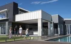 Trendspotter: Our top 4 modern homes from around Australia Alfresco Area, Wall Cladding, Modern Coastal, Australian Homes, New Home Designs, Style At Home, Old Houses, Beach House, New Homes
