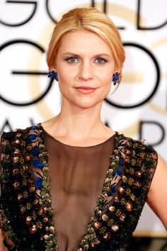 """The Only Beauty Looks You Need To See From The 2015 Golden Globes  #refinery29  http://www.refinery29.com/2015/01/80585/best-golden-globes-red-carpet-hair-makeup-2015#slide-19  Claire Danes  """"Claire's amazing Valentino dress had hand-embroidered flowers, feathers, and panels,"""" says the Homeland actress' makeup artist, Matin. """"So, I was inspired by these blue-green colors and decided to just go for it. I lined the eye using a teal pencil, and then blended it outward for a thick layer of ..."""
