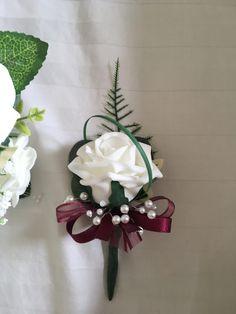 Succulent wedding flowers escort cards ideas for 2019 Bright Wedding Flowers, Wedding Flower Guide, Prom Flowers, Flower Bouquet Wedding, Burgundy Wedding Flowers, Wedding Bands, Wedding Flower Arrangements, Wedding Centerpieces, Table Wedding