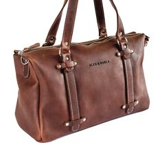 This handmade leather duffel bag is designed for women. It is the perfect everyday bag, which is spacious enough for all your daily essentials and a little more. Leather Bags Handmade, Everyday Bag, Leather Briefcase, Duffel Bag, Coco Chanel, My Style, Essentials, Stuff To Buy, Collection