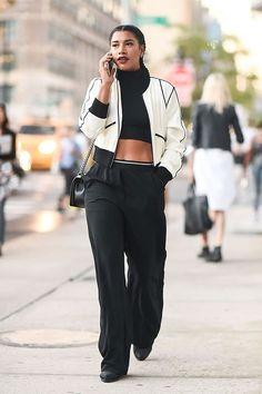 Street Style New York Fashion Week Day 5 - Image 16