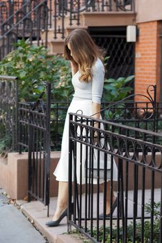 Feeling like a Carrie Bradshaw look a like with this outfit in the streets New York.