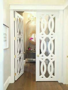 Resultado de imagen para puertas de madera de vitral blanca