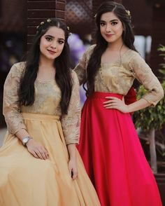 Sara Rizvi and Arisha Rizvi Pakistani Mehndi Dress, Pakistani Fashion Party Wear, Bridal Mehndi Dresses, Hijab Wedding Dresses, Pakistani Wedding Outfits, Pakistani Dress Design, Pakistani Bridal, Pakistani Dresses, Stylish Dresses For Girls