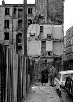 1972 - Belleville démoli - Paris Unplugged Paris 1900, Old Paris, Vintage Paris, Paris France, Menilmontant Paris, Belleville Paris, Annecy France, Paris Photos, Tour Eiffel