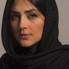 Beautiful Arab Women, Beautiful Hijab, Beautiful Girl Image, Iranian Beauty, Muslim Beauty, Arabian Beauty Women, Persian Girls, Arab Girls Hijab, Cute Girl Face
