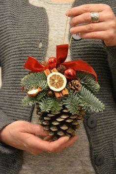 Large Pine Cone Fresh Spruce Christmas di FlowerinasDecor su Etsy