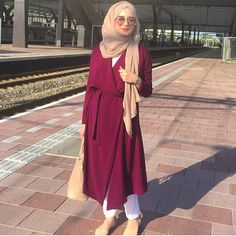 #ootd by  @seymatje- follow us for #modestfashion inspiration - leave a DM if your a business, blogger, artist or vlogger for shoutouts we only do a couple a day xx #hotd #hijab #hijabi #hijabstyle #hijabfashion #hijabinspiration #modest #modestfashion #tuban #ootd #beauty #blogger #instagood #instalove #instadaily #instagallery #love #muslim #makeup #elle #vogue #dinatokio #spring #springfashion