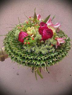 tsvetparmy | Конкурсанты Art Floral, Floral Design, Flower Crafts, Flower Art, Blossoms Florist, Modern Flower Arrangements, Hand Bouquet, Funeral Flowers, Bridesmaid Flowers