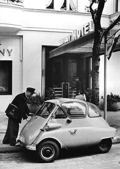 BMW Isetta at the telegram service Bayerische Motoren Werke AG, Munich, 1956