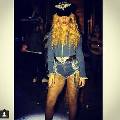 Pin for Later: 40+ Ways to Channel Beyoncé This Halloween On the Run Tour Beyoncé
