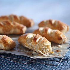 Muna-riisipasteijat Food And Drink, Pizza, Bread, Koti, Recipes, Cupcakes, Cupcake Cakes, Brot, Recipies