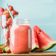 #goodmorning #EmiliaFoodLovers a freshly blended red fruit smoothie in glass this #morning for #breakfast  We are working hard for you our selection will be online soon  #EmiliaFoodLove #ComingSoon www.emiliafood.love  #buongiorno EmiliaFoodLovers questa mattina un ottimo frullato di frutti rossi... Stiamo lavorando per voi per selezionare solo il meglio saremo presto online  www.emiliafood.love  #watermelon #anguria #fragole #strawberry #colazione #mattina #food #foodblogger #foodlover…
