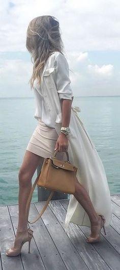 Ein wunderschön romantisches Outfit! Minirock und bodenlanger Blazer - ein Outfit zum Verlieben!