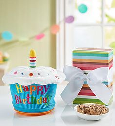Animated Birthday Cupcake with Cheryl's Cookies