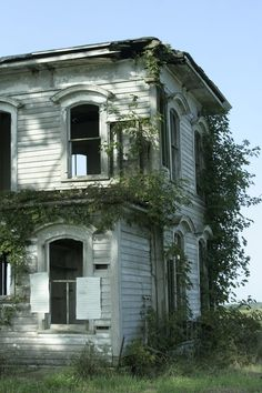 Abandoned, Cabin, Mansions, House Styles, Home Decor, Left Out, Decoration Home, Manor Houses, Room Decor