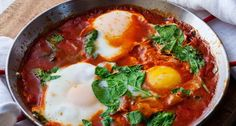 Shakshuka Recipe Easy - Asian Food - Shaksuka is one of the Middle Eastern cuisine popular in Tunisia, Libya, Marokok and other Middle Eastern Countries such as Iraq and the Arabs. Materials and how to make Shakshuka. Easy Egg Recipes, Cooking Recipes, Yummy Recipes, Vegetarian Recipes, Gourmet Cooking, Yummy Food, Veg Recipes, Cookbook Recipes, Cooking Ideas