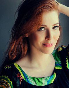 Elçin Sangu, Çerkes oyuncu, Circassian actress from Turkey. Source for… Turkish Women Beautiful, Turkish Beauty, Red Hair Woman, Elcin Sangu, Ginger Girls, Gorgeous Redhead, Hottest Redheads, Sexy, Redhead Girl