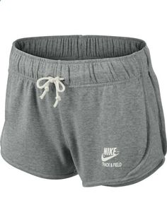 679965b0a0 The Nike Element Hoodie is made for your run Womens Nike Shorts