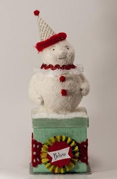 Sweet paper mache snowman- by Anne Christ Diy Snowman, Christmas Snowman, Vintage Christmas, Christmas Holidays, Christmas Ornaments, Christmas Decorations To Make, Christmas Themes, Holiday Crafts, Paper Mache Boxes