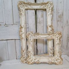 Discover thousands of images about White ivory gold painted picture frames shabby chic ornate vintage wall hanging set anita spero Shabby Chic Picture Frames, Painted Picture Frames, Frames On Wall, Wooden Frames, Blanc Shabby Chic, Vintage Shabby Chic, Vintage Decor, French Vintage, Vintage Stuff