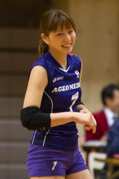 関連画像 Female Volleyball Players, Women Volleyball, Beach Volleyball, Basketball Players, Hot Japanese Girls, Beautiful Athletes, Bicycle Girl, Poses, Golf Outfit