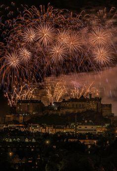 Last day of Edinburgh Festival 2015. Finale fireworks above the castle. Photograph by Jonathan Cruickshank, Scotland by the roadside. #jonathancruickshank #scotland #edinburgh