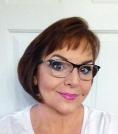 Yes you can wear eye makeup with glasses #Ylook 5