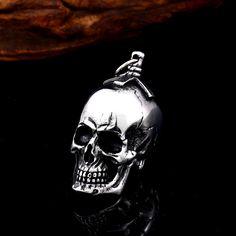 Skull Pendant For Men 316 Stainless Steel Titanium Men Neckace Choker Punk Style Fashion jewelry free shipping BP8-393 Punk Fashion, Style Fashion, Female Fashion, Fashion Outfits, Fashion Trends, Maternity Fashion, Pregnancy Fashion, Fashion Necklace, Fashion Jewelry