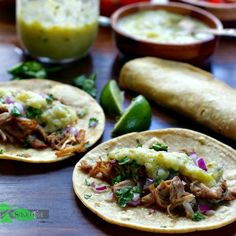 Authentic easy carnitas, slow cooker or Dutch oven. Limes, Onions, Chili Powder, Oranges brings lots of flavor. Dutch Oven Recipes, Pork Recipes, Diet Recipes, Healthy Recipes, Spinach Tortilla, Tortilla Recipe, Gluten Free Tortillas, Easy To Make Dinners, Recipes