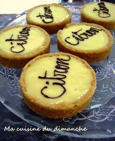 La tarte au citron est une de mes tartes préférées. Je l'aime bien acidulée, crémeuse et pas trop sucrée. Je possède plusieurs recettes de pâte sablée, mais il y en a une que j'adore réaliser…