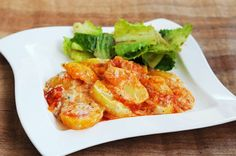 Kartoffel-Tomatenauflauf Lunch, Meat, Chicken, Dinner, Food, Lunch Ideas, Food Food, Vegans, Dining