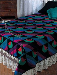 Quilting - Bed Quilts - Amish Tulips Bed Quilt