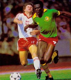 Polonia Camerun 82 Retro Football, World Football, Fifa, 1982 World Cup, Yesterday And Today, Mexico, Soccer, Running, Classic