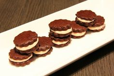 { Little Accidents in the Kitchen }: Chocolate and Candy Cane Sandwich Cookies